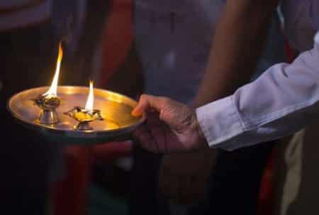 SHIV JI KI AARTI LYRICS IN HINDI : जय शिव ओंकारा