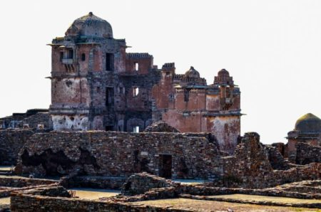 Chittorgarh Fort Why So Famous In Histroy - चित्तोडगढ़ किला